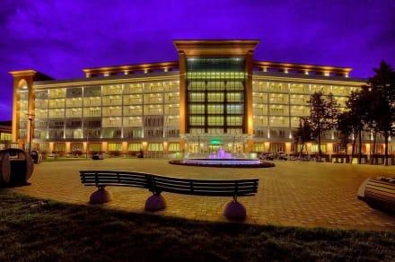 Außenansicht - Chinar Hotel & Spa Naftalan