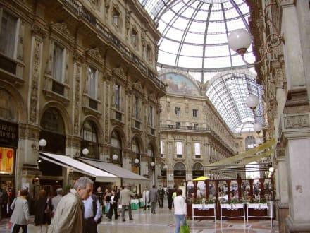 Galleria Vittorio Emanuele II - 1865 (3) - Galleria Vittorio Emanuele II