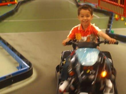 Racing mit dem Kart - Kid and Play Schutterwald