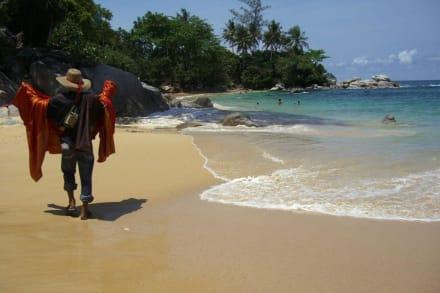 Strandverkäufer geben ihr bestes.. - Laem Sing Beach