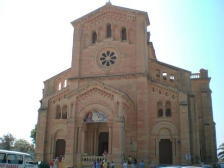 Besuch der Wallfahrtskirche Ta ' Pinu - Wallfahrtskirche Ta'Pinu Ghasri