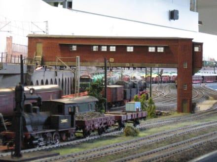 Spur I-Anlage - Reiterstellwerk mit Güterzug - Museum für Hamburgische Geschichte