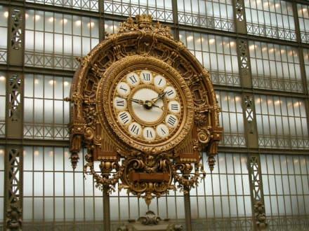 Wanduhr im Museum d'Orsay - Le Musée d'Orsay