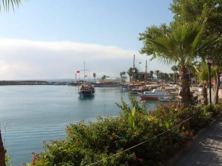 Seglerhafen in Side - Hafen Side