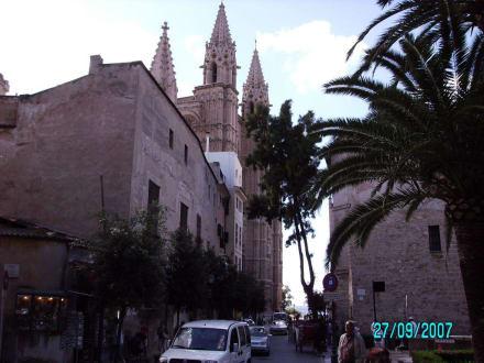 Teilansicht aus der Altstadt (Türme) - Kathedrale La Seu