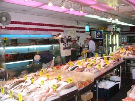 Ein Fischgeschäft in Chinatown - Chinatown New York