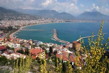 Blick auf Alanya - Hafen Alanya