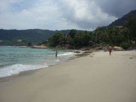 Ganz rechts vom Patong Beach - Strand Patong Beach