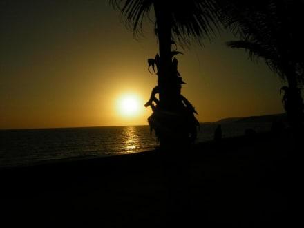 Sonnenuntergang an der Strandpromenade von Maspalomas - Shoppingcenter Boulevard El Faro