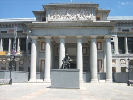 Haupteingang, derzeit geschlossen - Museo Nacional del Prado