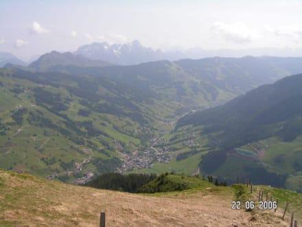 Blick ins Tal - Wandern Saalbach-Hinterglemm