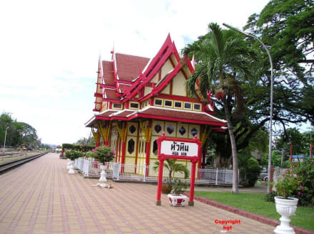 Der königliche Pavillion am Bahnhof in Hua Hin - Historischer Bahnhof von Hua Hin
