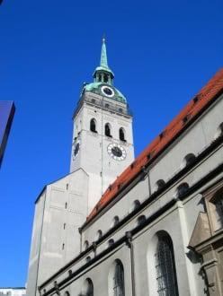 Alter Peter... - Pfarrkirche St. Peter (Alter Peter)