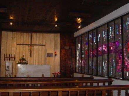 Von den wenigsten beachtet, Templo Ecumenico. - Templo Ecuménico El Salvador