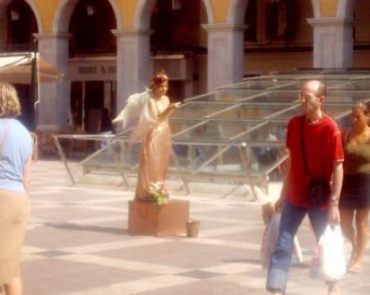 Belebte Statue - Plaza Mayor