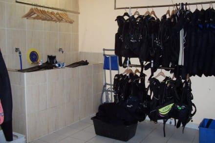Ausrüstung/Waschbecken - Tauchbasis Easy-Diving Costa Calma