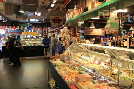 Market/Bazaar/Shopping center  - Granville Island Market