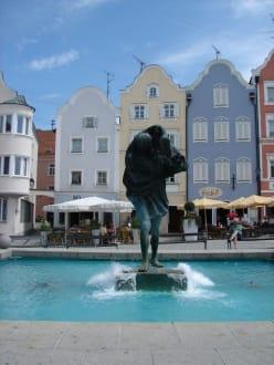 Marktplatz mit Brunnen - Marktplatz