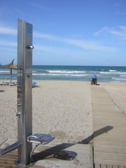 Rollstuhlrampe mit Duschmöglichkeit - Strand Can Picafort