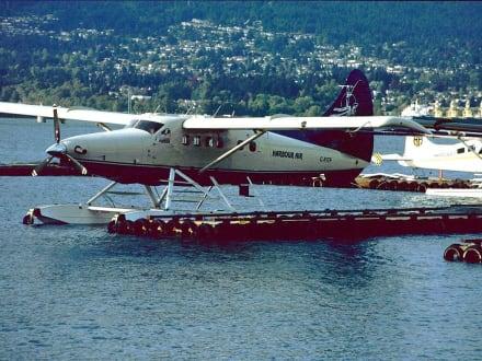 Coal Harbour, Wasserflugzeug - Transport