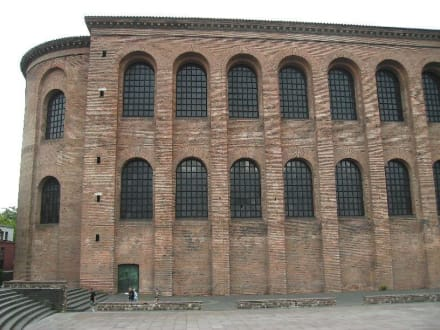 Aussenansicht - Konstantin Basilika