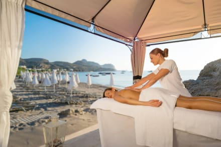 Massage at the beach -
