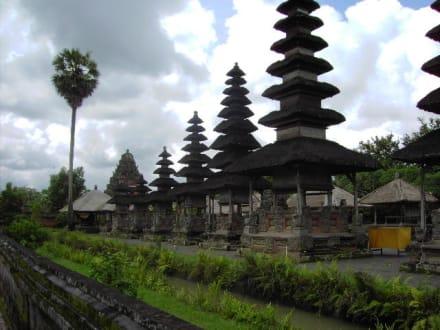 Tempel - Tempel Tanah Lot