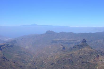 Blick auf den Teide/Teneriffa - Roque Nublo und Roque Fraile