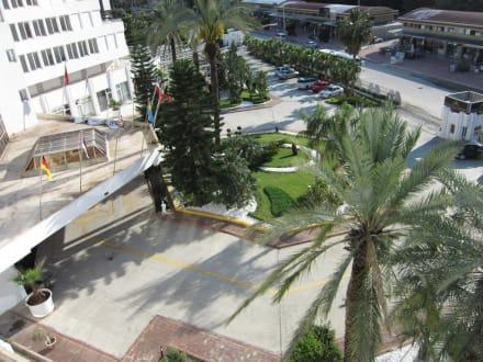 Außenansicht des Eingangsbereich - Hotel Royal Palm Resort