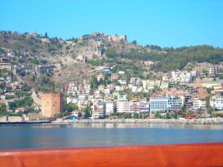Alanya vom Boot aus - Roter Turm - Kizil Kule