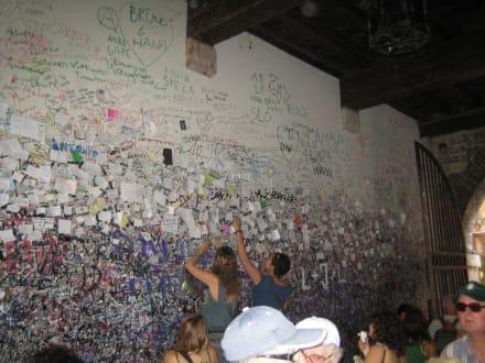 Liebeswand - Wand der Liebesbotschaften