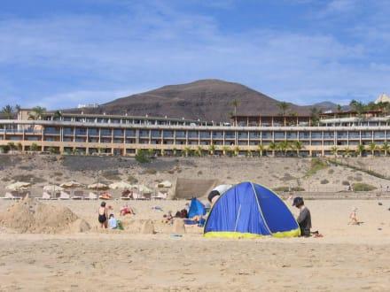 IB Palace - da gibts reichlich Zimmer mit MB - Strand Jandia