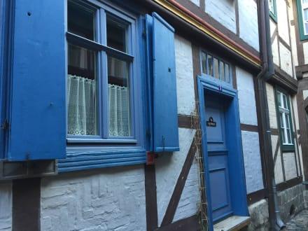 das blaue haus bild altstadt quedlinburg in quedlinburg. Black Bedroom Furniture Sets. Home Design Ideas