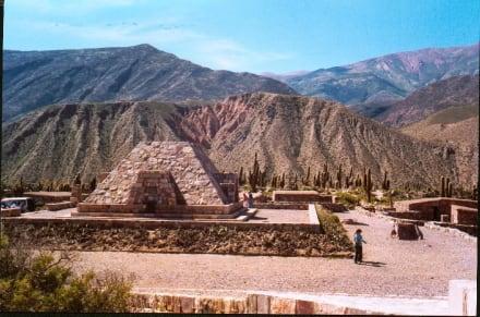Blick auf die Indianerfestung Tilcara - Inka-Festung (Pucara) bei Tilcara