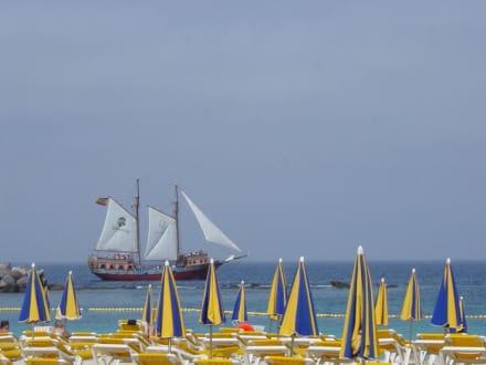 """"""" Piratenschiff""""  am Playa de Los Amadores - Strand Playa de Amadores"""