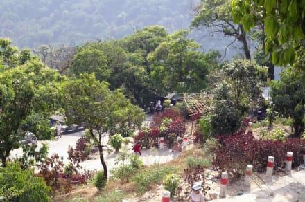 Steiler Aufstieg - Golden Rock