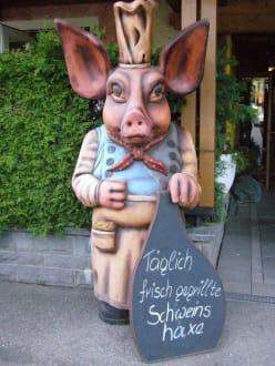Schwein gehabt - Wirtshaus Beim Haxenwirt