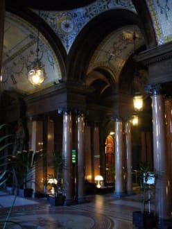 Eingangsbereich - George Square
