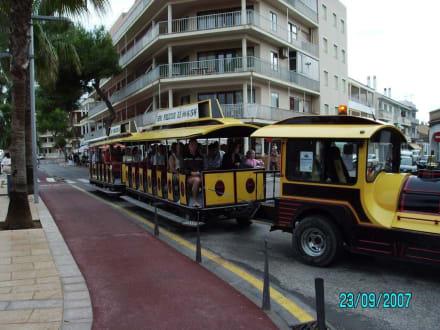 Einstieg am Hafen - Touristenbahn