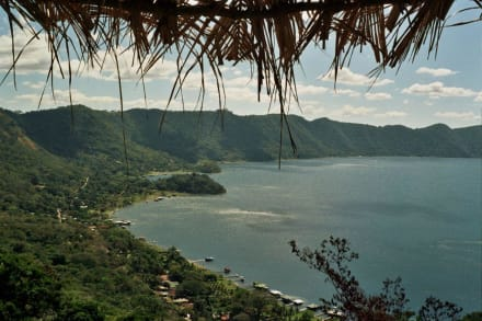 Am Lago de Coatepeque - Coatepeque Caldera