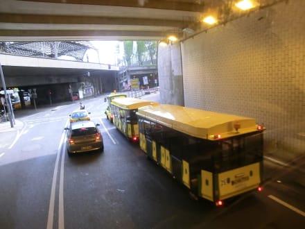 Im Tunnel unter der Altstadt - Stadtrundfahrt Köln