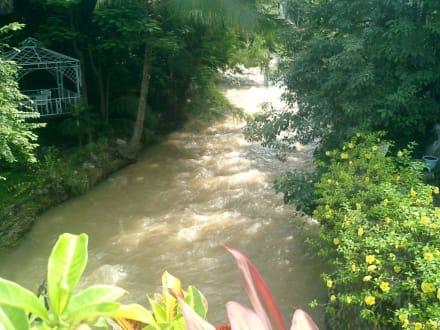 Fluß in Puerto Vallarta - Uferpromenade Puerto Vallarta