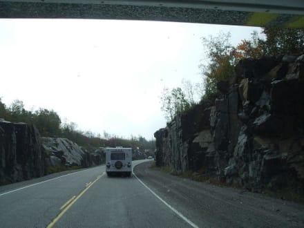 Während der Fahrt auf Highway 144 South - Halfway Lake Provincial Park