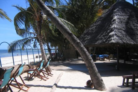 """Cocos"" Strandbar - Hotel Sarova Whitesands Beach Resort & Spa"