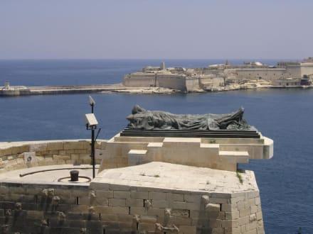 Hafeneinfahrt - Hafen Valletta