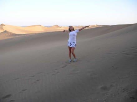 Johanna am Dünenstrand - Dünen von Maspalomas