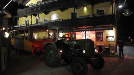 Traktorfahrt mit dem Hotelchef Johannes - Hotel Pachmair