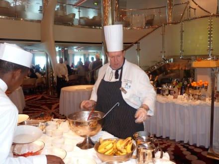 Der Schweizer Chefkoch beim Brunch - Celebrity Equinox