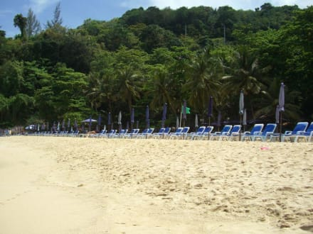 Sauberer Strand - Laem Sing Beach