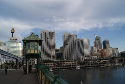 Sydney Tower und Pyrmont Bridge,Darling Harbour - Sydney Tower